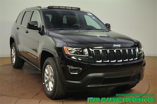new 2016 jeep grand cherokee laredo 4d sport utility in barberton 1c163057 fred martin superstore. Black Bedroom Furniture Sets. Home Design Ideas