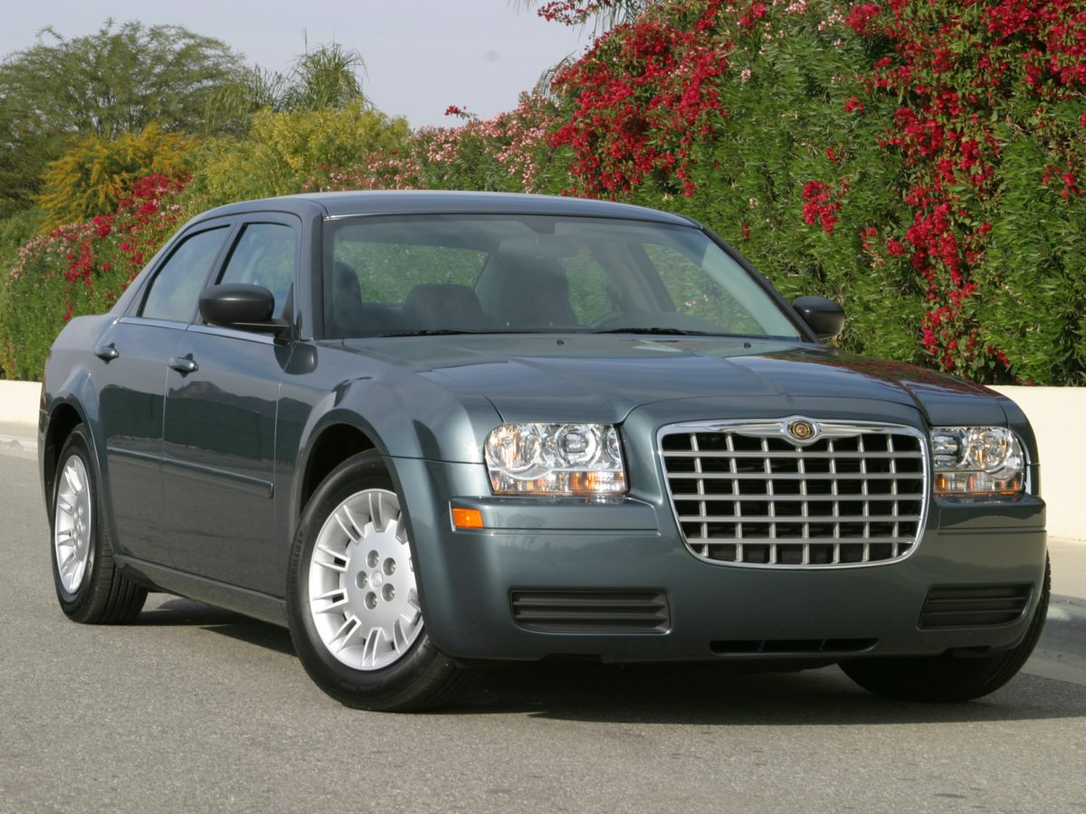 pre owned 2005 chrysler 300 touring 4d sedan in barberton. Black Bedroom Furniture Sets. Home Design Ideas