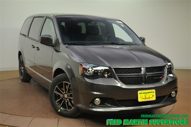 new 2016 dodge grand caravan r t 4d wagon in barberton 1t163475 fred martin superstore. Black Bedroom Furniture Sets. Home Design Ideas